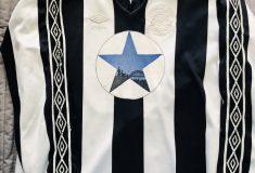 Image de l'article Un collectionneur anglais possède plus de 500 maillots de Newcastle!