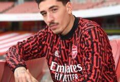 Image de l'article Un nouveau maillot pré-match pour Arsenal