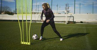 Image de l'article Cristiano Ronaldo et Ada Hegerberg, les visages de la nouvelle Nike Mercurial