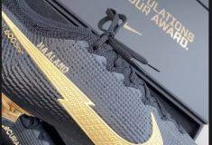 Image de l'article Erling Haaland reçoit des crampons spéciaux pour saluer son trophée du Golden Boy
