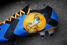 Image de l'article Les crampons de Brozovic, inspirés du maillot de l'Inter