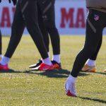 Diego Simeone, le coach qui porte des crampons plus stylés que ses joueurs