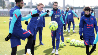 Image de l'article Le Barça dévoile un nouveau maillot pré-match et une nouvelle gamme training