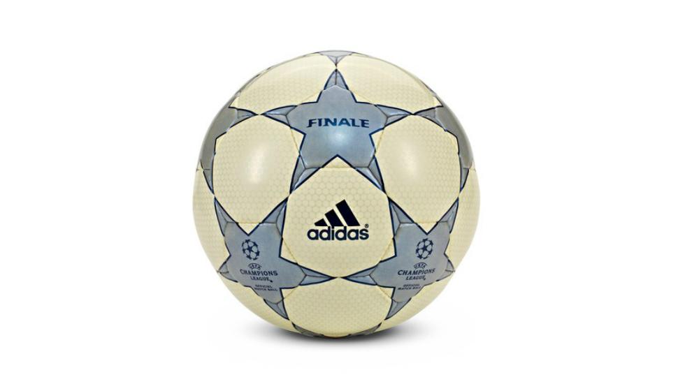 ballon-finale-ligue-des-champions-2001