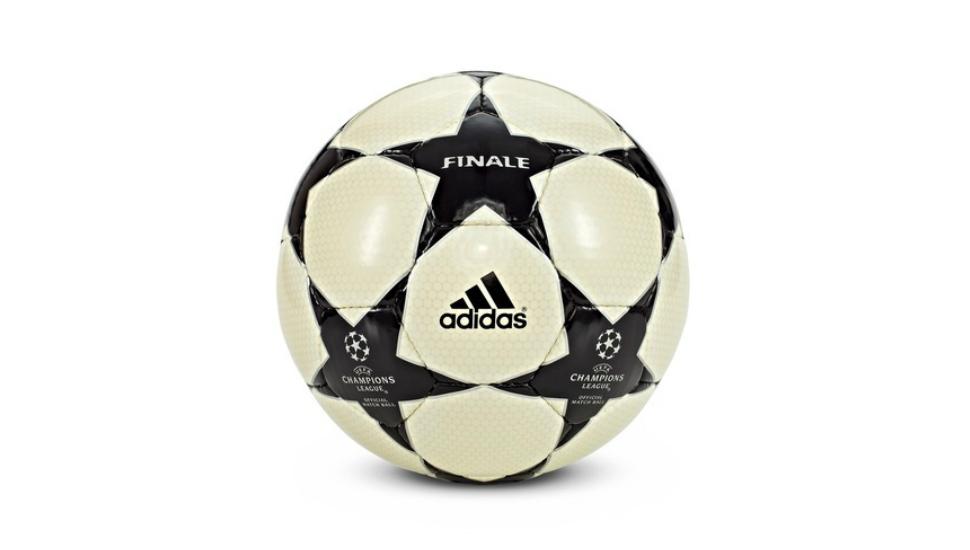 ballon-finale-ligue-des-champions-2003
