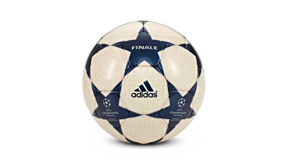 ballon-finale-ligue-des-champions-2004