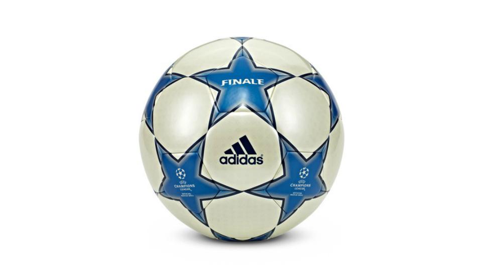 ballon-finale-ligue-des-champions-2005