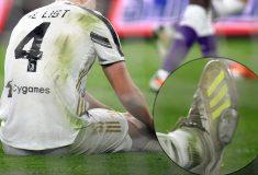 Image de l'article Depuis 8 mois, Matthijs De Ligt porte les mêmes crampons qu'il répare lui-même!
