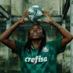 Palmeiras présente ses nouveaux maillots 2021-2022 avec Puma