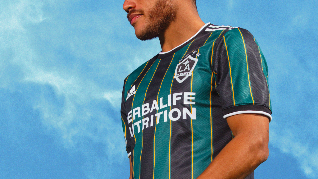 maillot-la-galaxy-exterieur-2021-2022-adidas-1