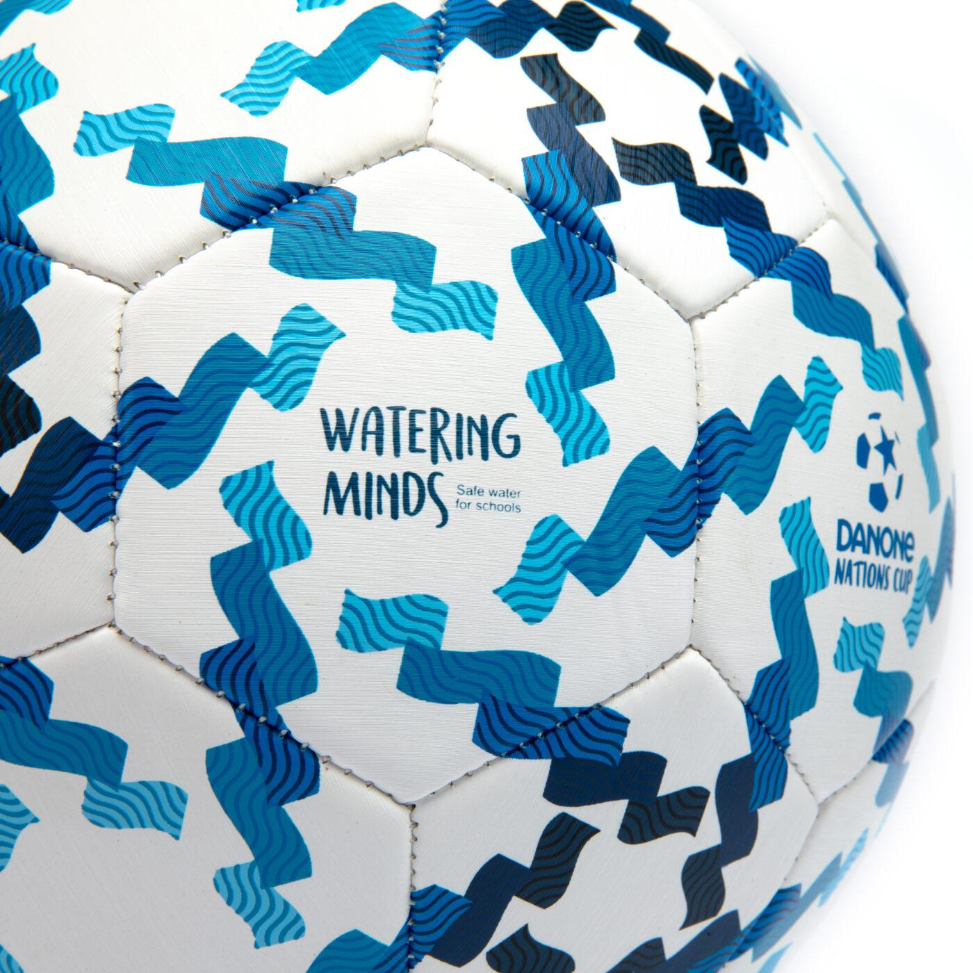 ballon-danone-nations-cup-acces-eau-potable-3