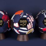 Un ballon du PSG fabriqué avec d'anciens maillots du club!
