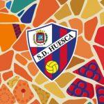 Huesca rend hommage au Barça, à Messi et à Cruyff avec un brassard spécial