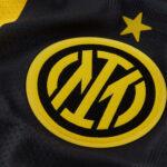 Nike dévoile le maillot Fourth de l'Inter Milan – le premier avec le nouveau logo du club