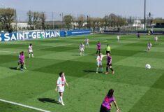 Image de l'article Quand les joueuses de Soyaux jouent face au PSG …. avec le maillot extérieur du PSG!