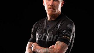 Image de l'article Parme va porter un maillot entièrement noir pour lutter contre le racisme