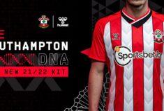 Image de l'article Les maillots 2021-2022 de Southampton présentés par hummel