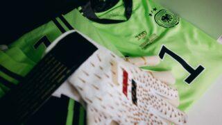 Image de l'article adidas offre des gants spéciaux à Manuel Neuer pour sa 100ème sélection