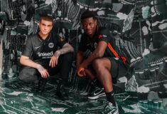 Image de l'article Les maillots de l'Eintracht Francfort 2021-2022 présentés par Nike