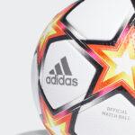 Le nouveau ballon de la Champions League 2021-2022 débarque