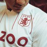Les maillots de Aston Villa 2021-2022 officialisés par Kappa