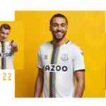 Everton dévoile un maillot third inspiré des années 50 avec hummel