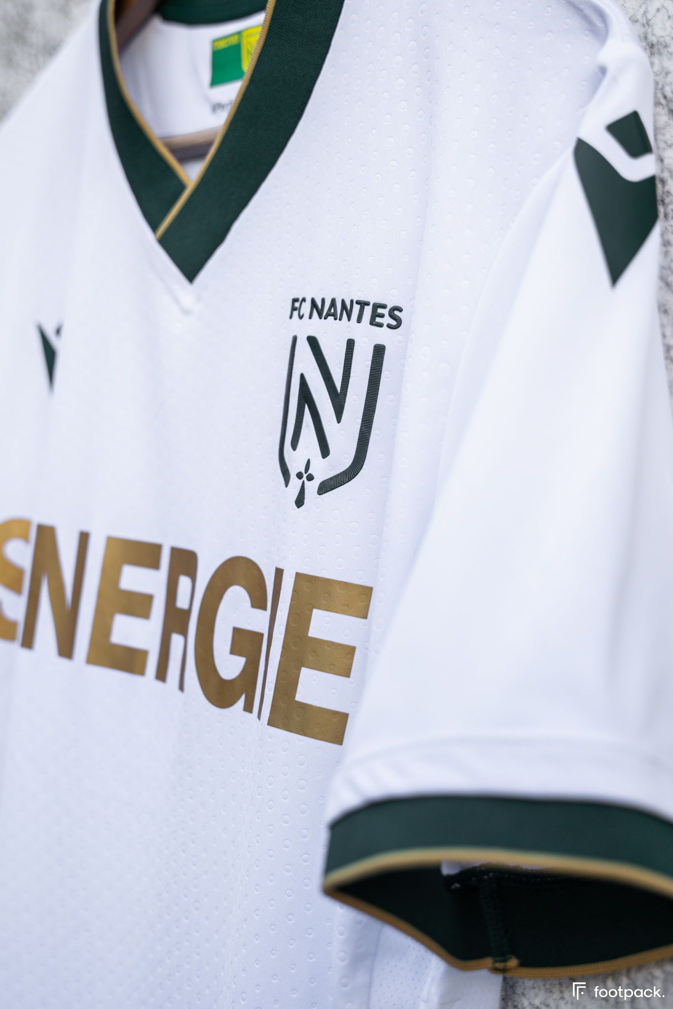 Maillot FC Nantes 2021-2022 exterieur Macron - footpack.