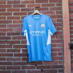 Les maillots de Manchester City 2021-2022 présentés par PUMA