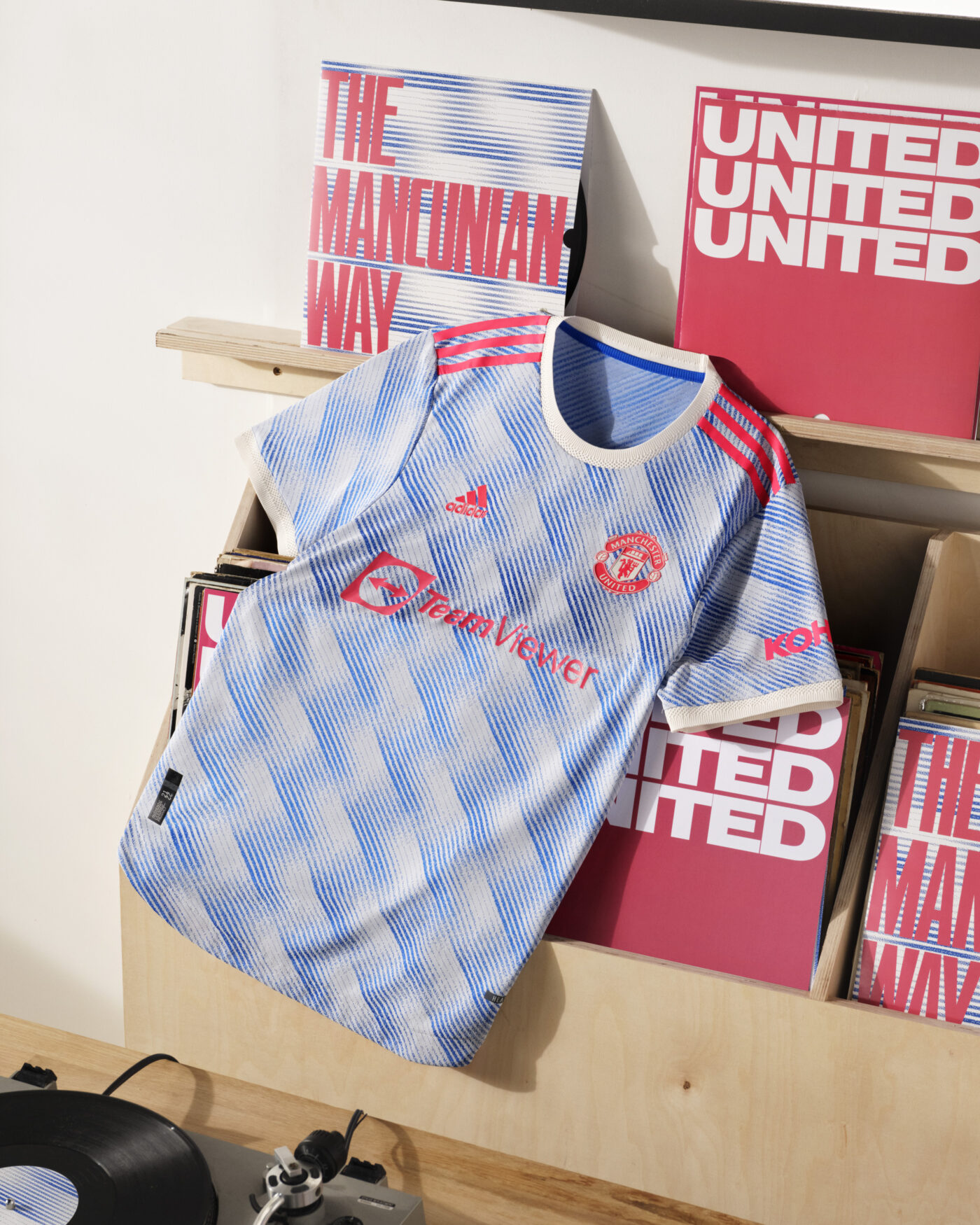 Maillot Manchester United 2021-2022 exterieur adidas