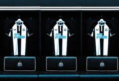 Image de l'article Les maillots de Newcastle 2021-2022 officialisés par Castore