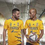 Les maillots des Tigres 2021-2022 présentés par Gignac et Thauvin