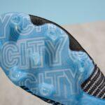 Des crampons PUMA aux couleurs de Manchester City