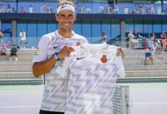 Image de l'article Quand Rafael Nadal dévoile le maillot extérieur de Majorque!