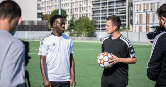 Image de l'article {Vidéo} : On affronte Arnaud Kalimuendo et Kadidiatou Diani!