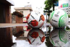 Image de l'article Les ballons Molten pour l'Europa League et la Conference League