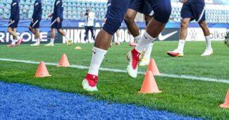 Image de l'article Une paire de Nike Mercurial verte et rouge inédite pour Kylian Mbappé