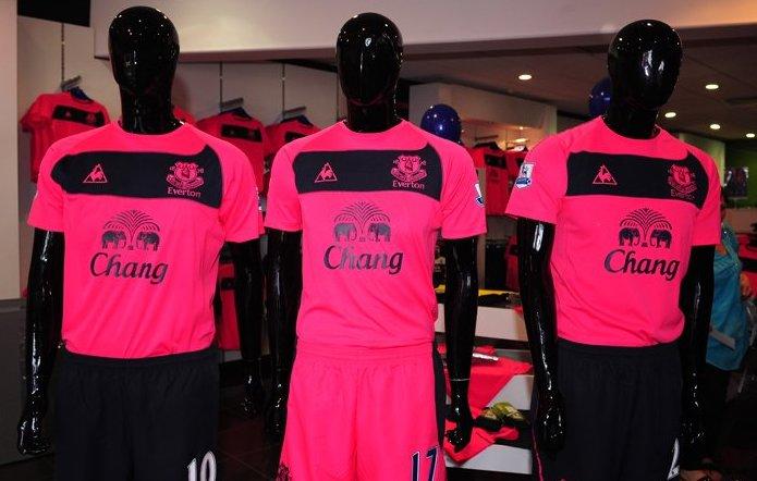 maillot-everton-2010-2011--pink