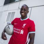 Liverpool brade ses anciens maillots à seulement 13€!